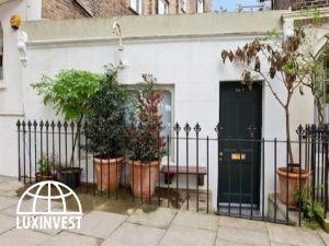 В Великобритании самый маленький дом был куплен за...