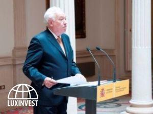 Испанские посольства будут помогать продавать недв...